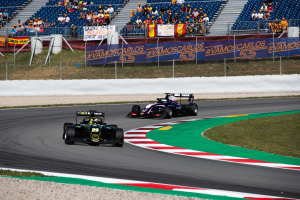 Teppei Natori (JPN, Carlin Buzz Racing) and Devlin DeFrancesco (CAN, Trident)
