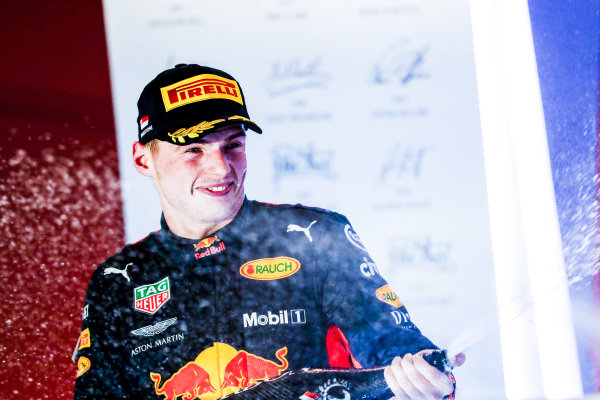 Max Verstappen, Red Bull Racing, 2nd position, celebrates with Champagne