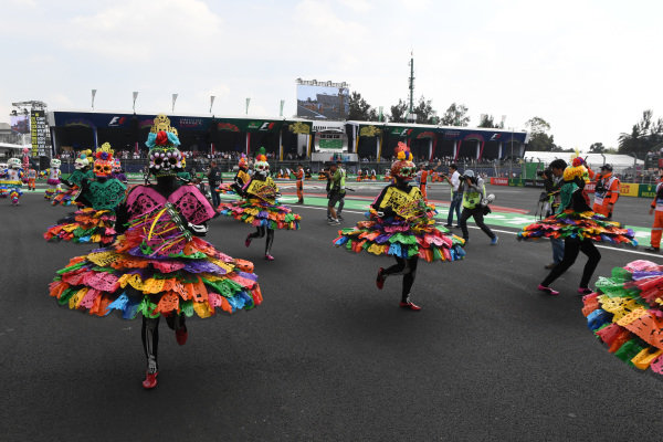 Pre-race entertainment with Day of the Dead characters at Formula One World Championship, Rd18, Mexican Grand Prix, Race, Circuit Hermanos Rodriguez, Mexico City, Mexico, Sunday 29 October 2017.