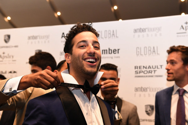 Daniel Ricciardo (AUS) Red Bull Racing with bow tie at Amber Lounge Fashion Show, Le Meridien Beach Plaza Hotel, Monaco, Friday 27 May 2016.