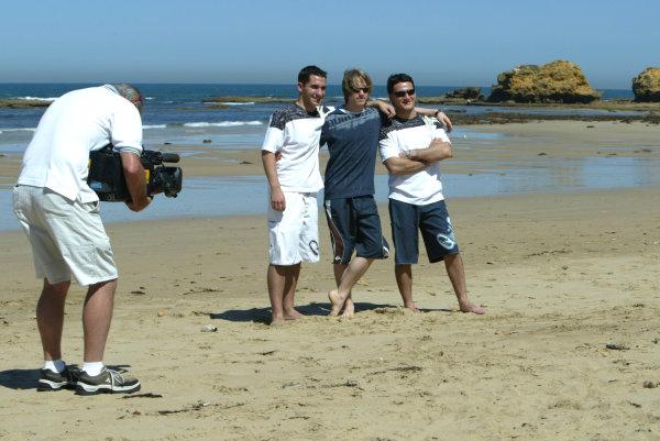 2004 Australian Grand Prix Melbourne, Australia. 1st March 2004 Jordan Drivers, Nick Heidfeld, Giorgio Pantano and Timo Glock visit Torquay beach to try Surfing. World Copyright: LAT Photographic/Coates ref: Digital Image Only -