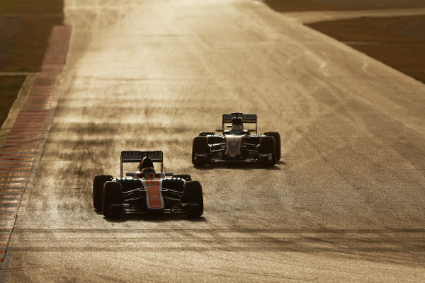Circuit de Catalunya, Barcelona, Spain Monday 22 February 2016. Pascal Wehrlein, Manor MRT 05 Mercedes, and Marcus Ericsson, Sauber C35 Ferrari. World Copyright: Sam Bloxham/LAT Photographic ref: Digital Image _SBL5271