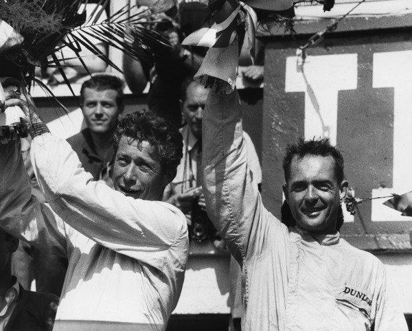 Le Mans, France. 23rd - 24th June 1962.Olivier Gendebien/Phil Hill (Ferrari 330 TRI/LM), 1st position, podium, portrait. World Copyright: LAT Photographic.Ref:  Autocar Used Pic 29th June 1962 Pg 1060.