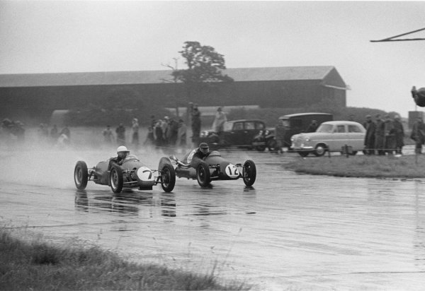 Silverstone, Great Britain. 17th July 1954.Stirling Moss (Beart-Cooper MkVIIA), 1st position in the 500cc support race, action.World Copyright: LAT PhotographicRef: 5393D - 33