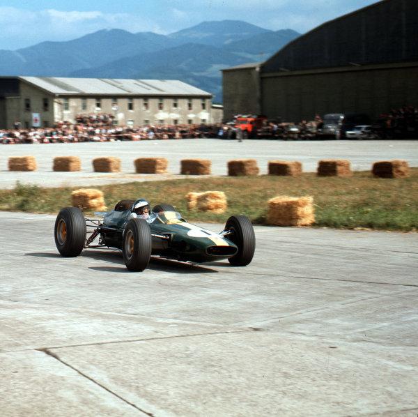 Zeltweg, Austria.21-23 August 1964.Jim Clark (Lotus 33 Climax).Ref-3/1406.World Copyright - LAT Photographic