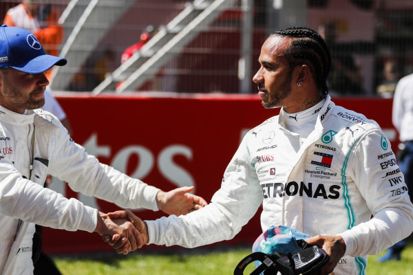 Pole Sitter Valtteri Bottas, Mercedes AMG F1 and Lewis Hamilton, Mercedes AMG F1 celebrate in Parc Ferme