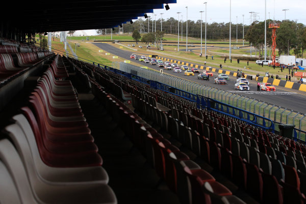 Start of the race with empty grandstand