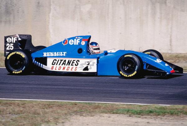 Suzuka, Japan. 4th - 6th November 1994. Franck Lagorce (Ligier JS39B Renault).Ref-94 JAP 18.World Copyright - LAT Photographic