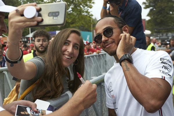 Lewis Hamilton, Mercedes AMG F1 takes a selfie with a fan