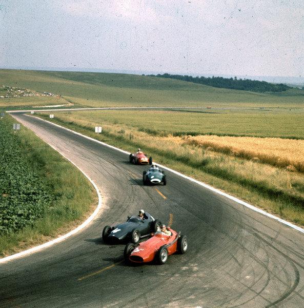 1958 French Grand Prix.Reims, France.4-6 July 1958.Gerino Gerini (Maserati 250F) leads Jean Behra (BRM P25), Stirling Moss (Vanwall VW10) and Francesco Godia-Sales (Maserati 250F).Ref-3/0073.World Copyright - LAT Photographic