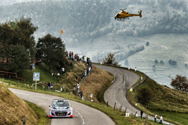 Thierry Neuville (BEL) / Nicolas Gilsoul (BEL) Hyundai i20 WRC is followed by the chase helicopter. FIA World Rally Championship, Rd11, Rallye De France, Strasbourg, Alsace, France. Day Two, Saturday 4 October 2014.