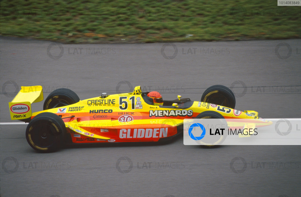 1992 Indianapolis 500. Indianapolis Motor Speedway, Indiana, USA. 24th May 1992. Gary Bettenhausen (Lola T9200-Buick), retired, action. World Copyright: LAT Photographic.