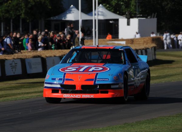 2017 Goodwood Festival of Speed Goodwood Estate, West Sussex,England 30th June - 2nd July2017 Bobby Labonte Pontiac Grand Prix World Copyright : Jeff Bloxham/LAT Images Ref : Digital Image