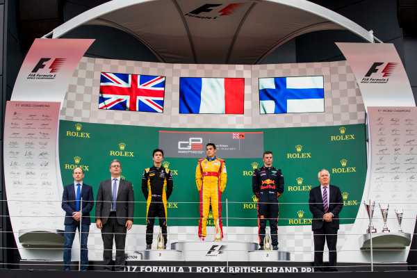 2017 GP3 Series Round 3.  Silverstone, Northamptonshire, UK. Sunday 16 July 2017. Jack Aitken (GBR, ART Grand Prix), Giuliano Alesi (FRA, Trident) and Niko Kari (FIN, Arden International).  Photo: Zak Mauger/GP3 Series Media Service. ref: Digital Image _56I0182