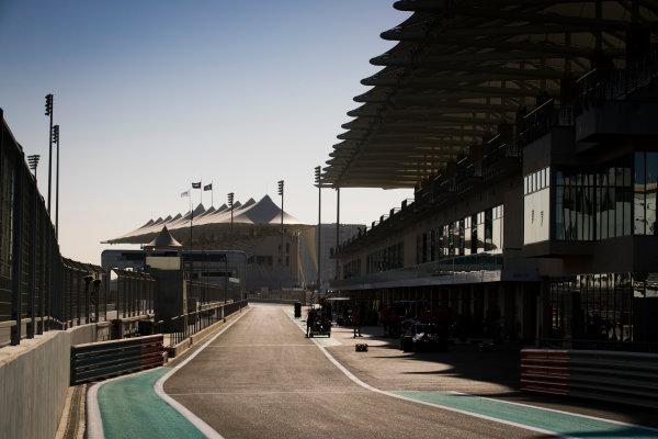 2017 FIA Formula 2 Round 11. Yas Marina Circuit, Abu Dhabi, United Arab Emirates. Thursday 23 November 2017. A View of the pit lane Photo: Sam Bloxham/FIA Formula 2. ref: Digital Image _J6I0865