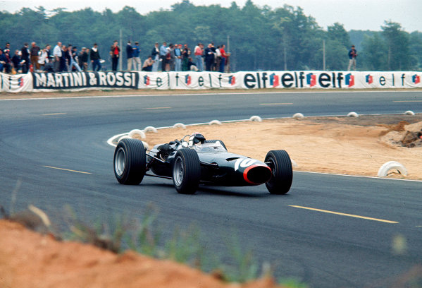 1967 French Grand Prix.Bugatti Circuit, Le Mans, France.30/6-2/7 1967.Jackie Stewart (BRM P261) 3rd position.Ref-67 FRA 05.World Copyright - LAT Photographic