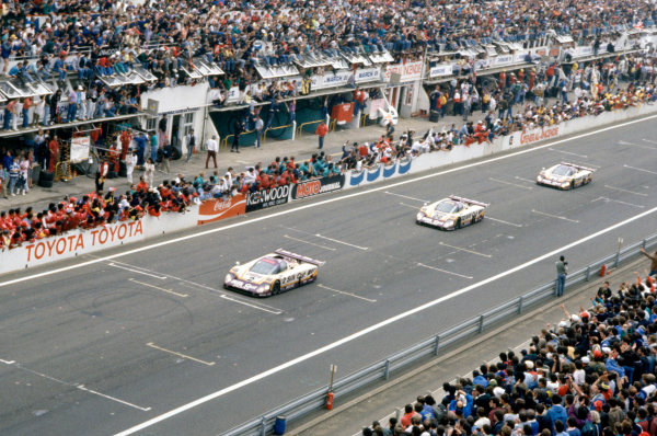 1988 Le Mans 24 HoursLe Mans, France. 11th - 12th June.Andy Wallace/Johnny Dumfries/Jan Lammers leads Derek Daly/Kevin Cogan/Larry Perkins and Danny Sullivan/Davy Jones/Price Cobb (all Jaguar XJR-9LM) late in the race.World Copyright: Murenbeeld/LAT Photographicref: 35mm Transparency Image
