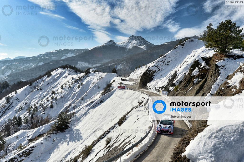 www.sutton-images.com - Thierry Neuville (BEL) / Nicolas Gilsoul (BEL) Hyundai i20 WRC at the FIA World Rally Championship, Rd1, Rally Monte Carlo, Day Two, Monte Carlo, 24 January 2015.  Photo Sutton Images +44 1327 352188