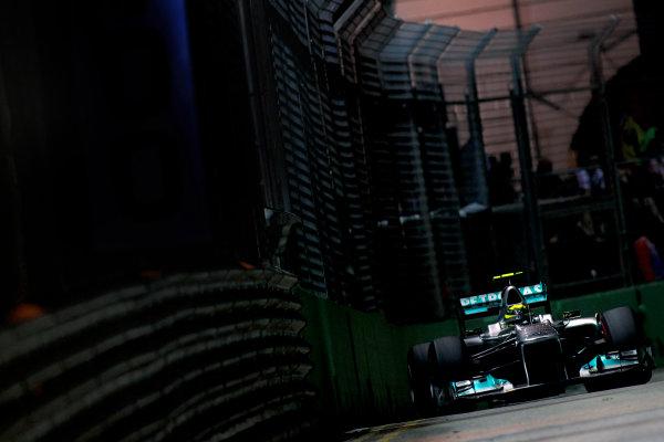 Marina Bay Circuit, Singapore.24th September 2011.Nico Rosberg, Mercedes GP W02. Action. World Copyright:Glenn Dunbar/LAT Photographicref: Digital Image _G7C6660