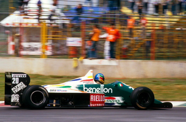 Mexico City, Mexico. 10-12 October 1986. Gerhard Berger (Benetton B186 BMW) 1st position for his maiden Grand Prix win. Ref-86 MEX 09. World Copyright - LAT Photographic