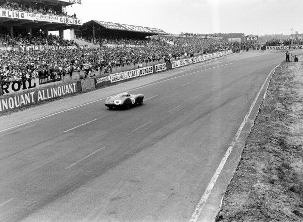 1959 Le Mans 24 hours.Le Mans, France. 20-21 June 1959.Stirling Moss/Jack Fairman (Aston Martin DBR1), retired.World Copyright: LAT PhotographicRef: 8317B#29 Motor