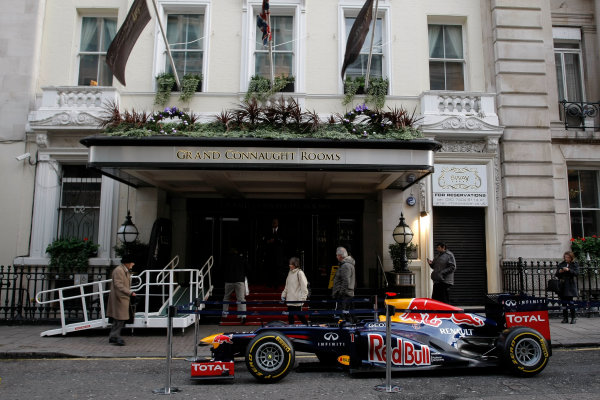 Grand Connaught Rooms, London, England. 3rd December 2012. A Red Bull Racing car outside the entrance. World Copyright: Jakob Ebrey/LAT Photographic ref: Digital Image RedBull_008