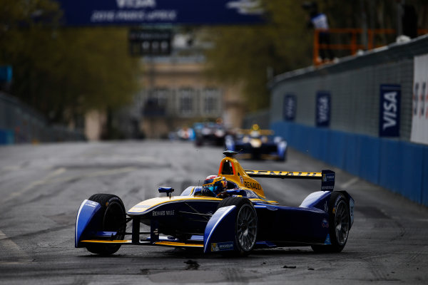 2015/2016 FIA Formula E Championship. Paris ePrix, Paris, France. Saturday 23 April 2016. Sebastien Buemi (SUI), Renault e.Dams Z.E.15. Photo: Glenn Dunbar/LAT/Formula E ref: Digital Image _W2Q2157