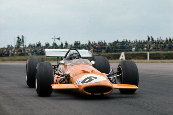Silverstone, England. 17-19 July 1969.  Bruce McLaren, McLaren M7C Ford, 3rd position.  Ref: 69GB11. World Copyright: LAT Photographic