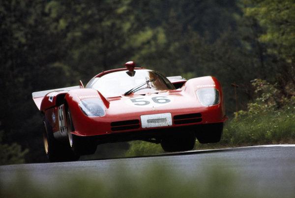John Surtees / Peter Schetty / Jacky Ickx, Ferrari s.p.a, Ferrari 512 S Spyder 1012.
