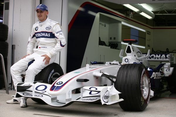 2006 Hungarian Grand Prix - Thursday PreviewHungaroring, Budapest, Hungary. 3rd - 6th August.Robert Kubica, BMW Sauber F1 06. Portrait.World Copyright: Charles Coates/LAT Photographicref: Digital Image ZK5Y2759