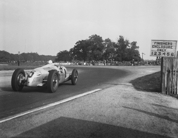 1937 Donington Grand Prix. Donington Park, England. 1-2 October 1937. Bernd Rosemeyer (Auto Union C-type) 1st position. A Race Through Time exhibition number 53. World Copyright - LAT Photographic