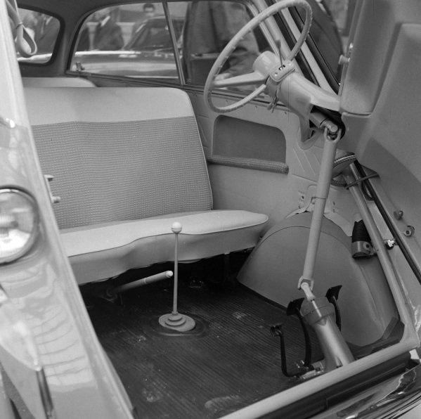 BMW 600 interior