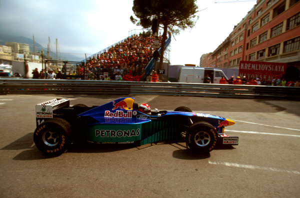 Monte Carlo, Monaco.16-19 May 1996.Johnny Herbert (Sauber C15 Ford) 3rd position, at Rascasse.Ref-96 MON 22.World Copyright - LAT Photographic