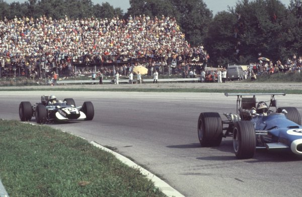 1968 Italian Grand Prix.Monza, Italy.6-8 September 1968.Jean-Pierre Beltoise (Matra MS11) leads Vic Elford (Cooper T86B BRM) in the Parabolica. Beltoise finished in 5th position.Ref-68 ITA 23.World Copyright - LAT Photographic