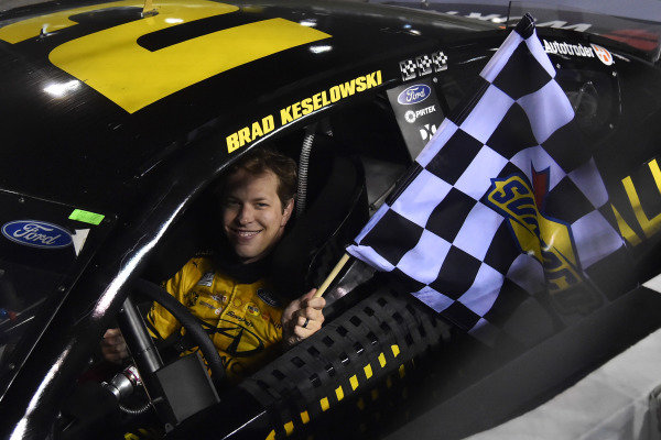 #2: Brad Keselowski, Team Penske, Ford Mustang Western Star/Alliance Parts celebrates his win
