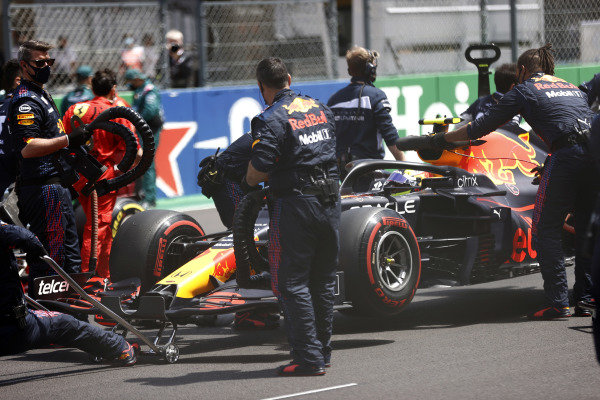 Sergio Perez, Red Bull Racing RB16B, arrives on the grid
