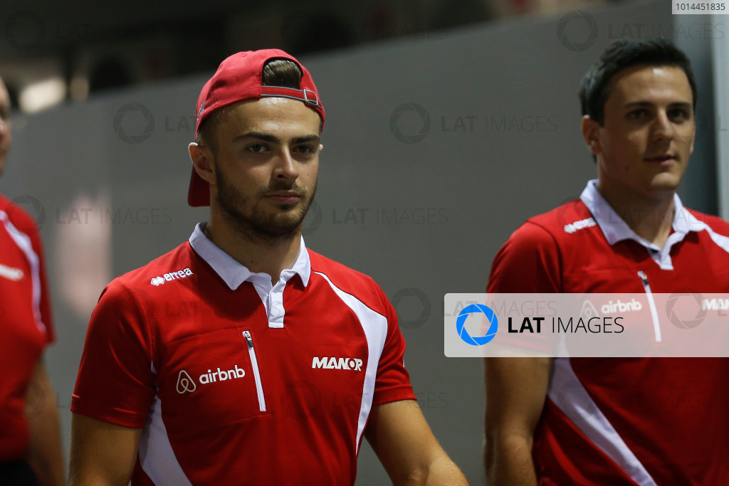 Marina Bay Circuit, Singapore. Friday 18 September 2015. Will Stevens, Manor Marussia F1, and Fabio Leimer, Manor Marussia F1.  World Copyright: Alastair Staley/LAT Photographic ref: Digital Image _R6T4677