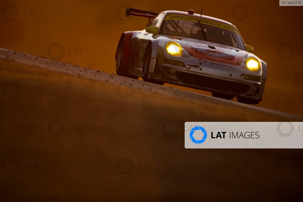 American Le Mans Series. Laguna Seca, Monterey, California. 15th - 17th September 2011. Jorg Bergmeister / Patrick Long, Flying Lizzard Motorsports, Porsche 911 GT3 RSR. Action. Photo: Drew Gibson/LAT Photographic. ref: Digital Image _Y2Z7106