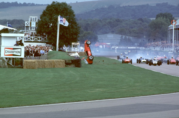 2000 Goodwood Motor Circuit Revival. Goodwood, England. 15th - 17th September 2000. Nigel Corner is catapulted out of his Ferrari Dino at the start of the race, action.  World Copyright: Jeff Bloxham / LAT Photographic. Ref:  FoS12.