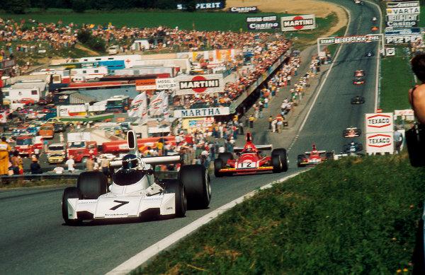 1974 Austrian Grand Prix.Osterreichring, Zeltweg, Austria.16-18 August 1974.Carlos Reutemann (Brabham BT44 Ford) 1st position leads Niki Lauda (Ferrari 312B3).Ref-74 AUT 03.World Copyright - LAT Photographic