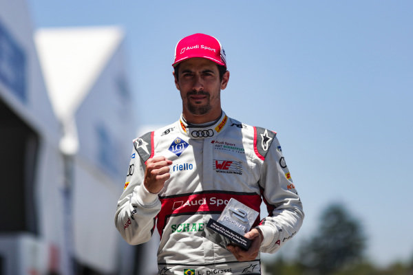 Lucas Di Grassi (BRA), Audi Sport ABT Schaeffler, with the pole position award