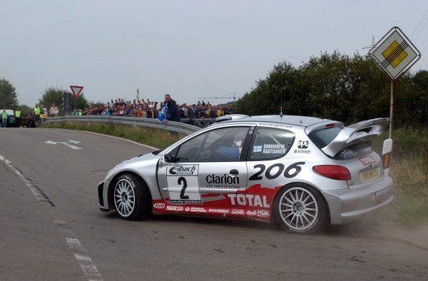 Marcus Gronholm (FIN) Peugeot 206 WRC, on Stage 21, finished third overall.Fia World Rally Championship, Rd10, Rallye Deutschland, Germany, Leg 3, 25 August 2002.DIGITAL IMAGE