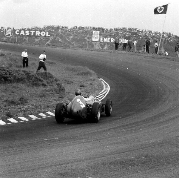 1960 Dutch Grand Prix.Zandvoort, Holland.4-6 June 1960.Richie Ginther (Ferrari Dino 246) 6th position.Ref-6569.World Copyright - LAT Photographic