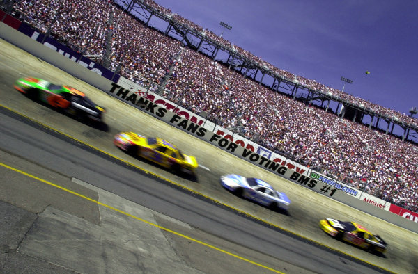 Stock Cars speed through the first turn of the 1/2 mile Bristol Motor Speedway, voted the #1 track by NASCAR fans.NASCAR Food City 500 at Bristol Motor Speedway (Tenn)26 March, 2000LAT PHOTOGRAPHIC