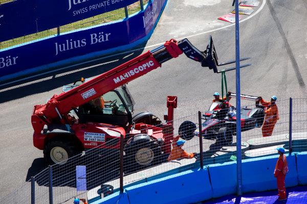 2015/2016 FIA Formula E Championship. Testing, Punta del Este, Uruguay. Sunday 20 December 2015. The damaged car of Stephane Sarrazin (FRA), Venturi VM200-FE-01. Photo: Zak Mauger/LAT/Formula E ref: Digital Image _L0U9766