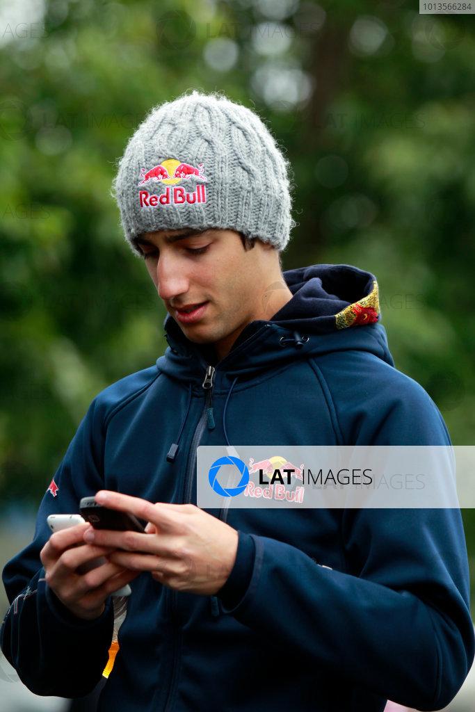 Albert Park, Melbourne, Australia25th March 2011.Daniel Ricciardo, Toro Rosso STR6 Ferrari.World Copyright: Charles Coates/LAT Photographicref: Digital Image _X5J7551