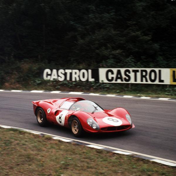 1967 BOAC 500.Brands Hatch, Great Britain.30 July 1967.Paul Hawkins/Jonathan Williams (Ferrari 330P4), 6th position.Ref-3/3120.World - LAT Photographic