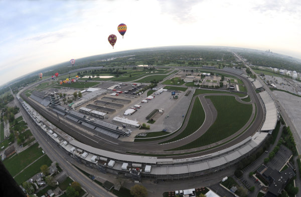 1-3 May, 2009,Indianapolis, Indiana, USA Balloon race over the Indianapolis Motor Speedway  ©2009, Walt Kuhn, USA LAT Photographic aerial overhead airplane satellite