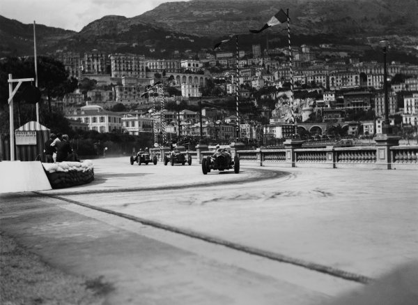Monte Carlo, Monaco. 19-22 April 1935.Rene Dreyfus (Alfa Romeo Tipo B/P3), 2nd position leads Philippe Etancelin (Maserati 6C-34), 4th position and Luigi Soffietti (Maserati 8CM), 8th position, action.World Copyright: LAT Photographic.