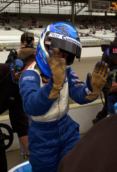 """Sarah Fisher """"high fives"""" her crew after qualifying 84th. Indianapolis 500, Indy Racing Northern Light Series, Indianapolis Motor Speedway, Speedway Indiana,USA 28 May,2000 -F Peirce Williams 2000 LAT PHOTOGRAPHIC"""